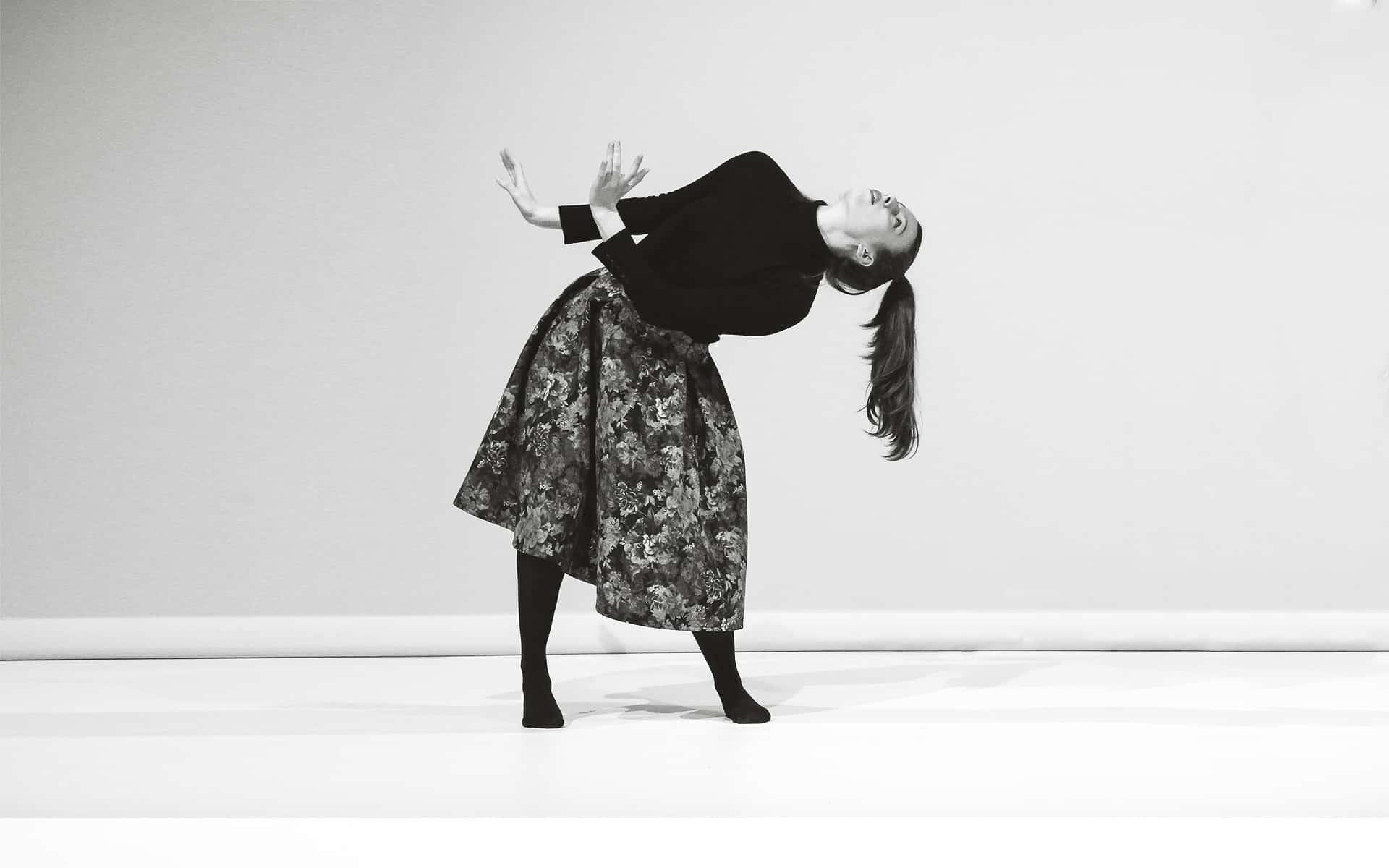Simone-Mousset-background-16